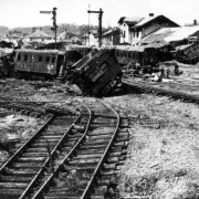 Bahnhof Amstetten nach einem Bombenangriff