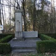 Gedenkstein bei der Bundesstraße