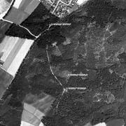 Überblick 1:5.000 mit GPS-Daten; 1:Memorial Gedenkstein beim ehem. Lagereingang, 2: ehem. Lagergelände, 3: Gedenkstein an der Bundesstraße