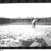 KZ - Vöcklabruck/Wagrain: Häftling auf dem Appellplatz, September 1941