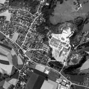 Überblick 1:5.000 mit GPS-Daten; 1: ehem. Krematorium/Memorial Gusen 2: ehem. Jourhaus