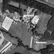 Überblick 1:5.000 mit GPS-Daten; 1: ehem. Lagergelände 2: Stolleneingänge