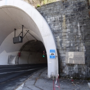 Memorial plaque at the Loibltunnel