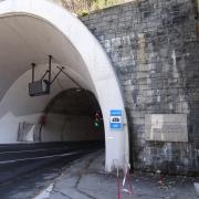 Gedenktafel am Loibltunnel
