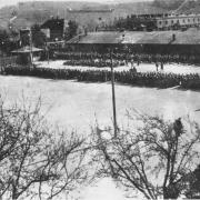 KZ Melk: Neu angekommene Häftlinge auf dem Appellplatz 1944-1945