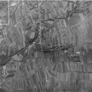 Aerial photograph of the USAF of 21.10.1994 The marked section shows the satellite camp on the far left