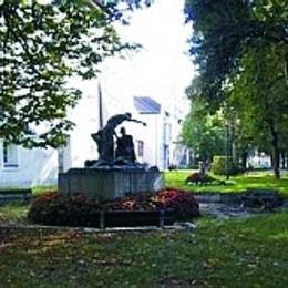 CC Monument in Pollheimerpark