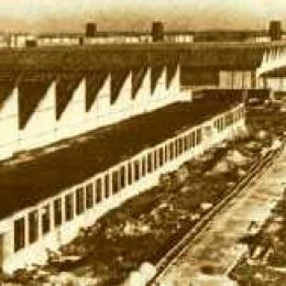Hallen der Flugmotorenwerke in Wr. Neudorf